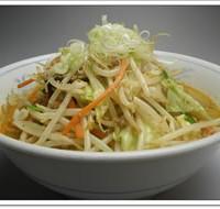 野菜たっぷりみそらうめん(味噌ラーメン太麺)